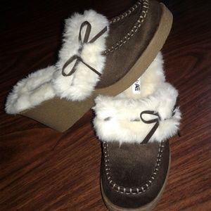 American eagle moccasin wedges
